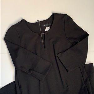 Dress with 3/4 sleeve.